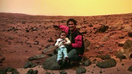 georyl and daddy poses at the martian landscape