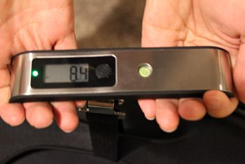 mira digital luggage scale light