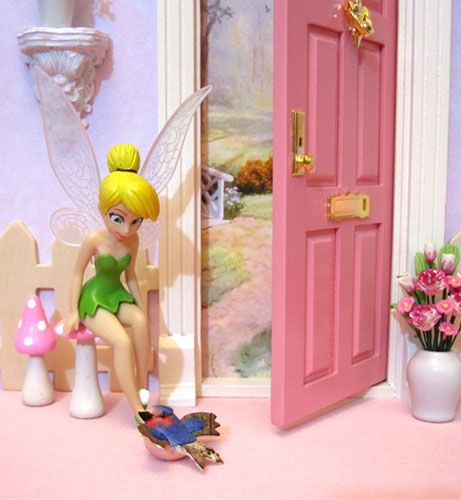 Nurture a child s imagination in three ways georyl for Tinkerbell fairy door