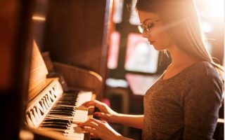 Four Piano Pieces That You Should Learn