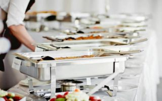 3 Reasons to Hire Caterers
