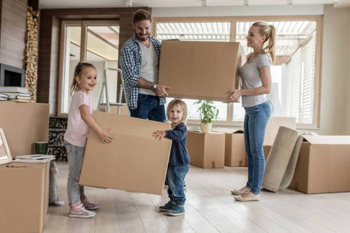 moving-house-family